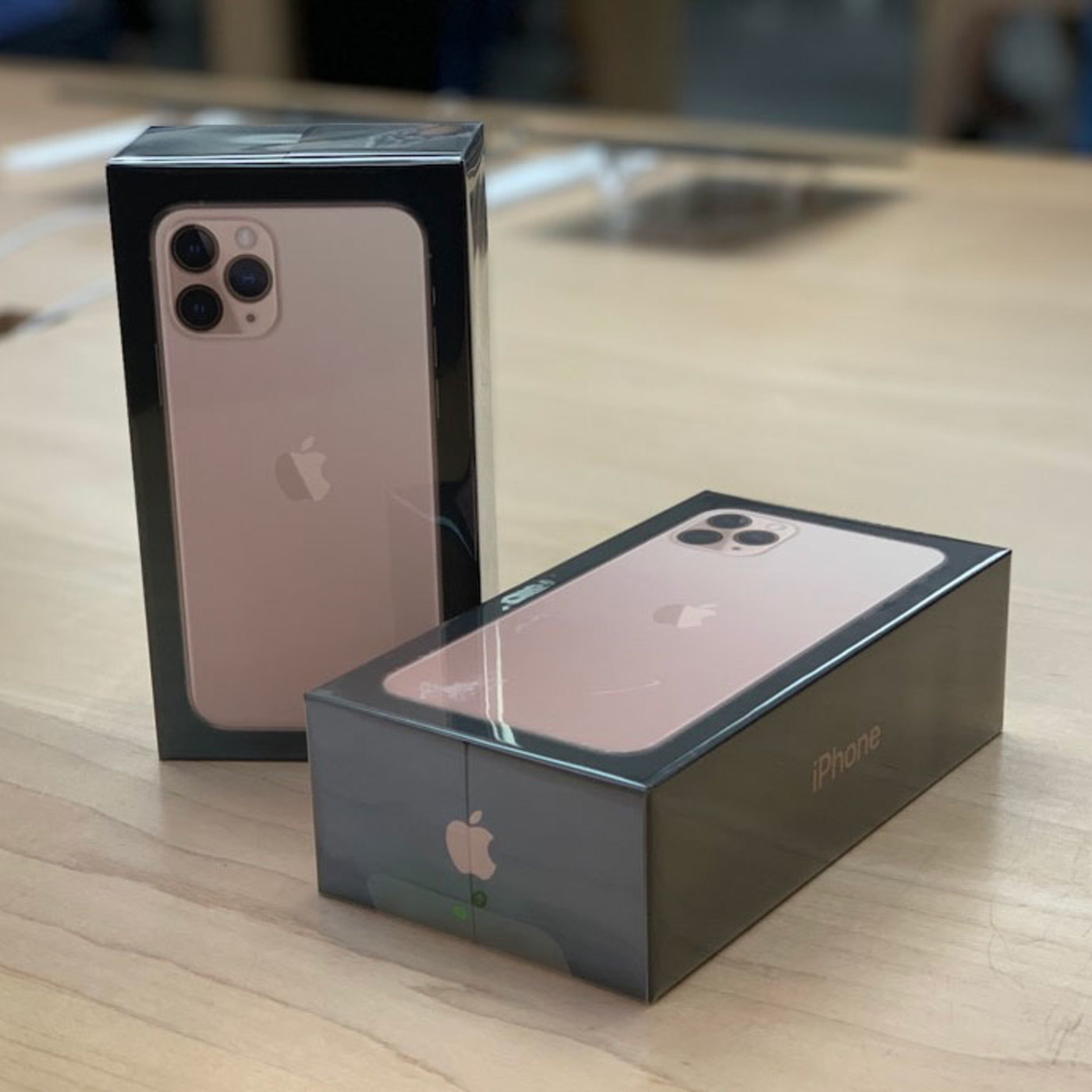 More Than Just Code podcast - iOS and Swift development, news and advice 266: What Color Is Your Apple Card?